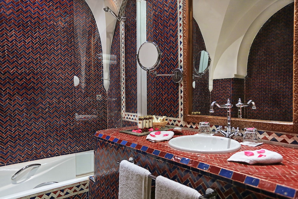 Bathroom, La Maison Arabe Hotel, Spa and Cooking Workshops