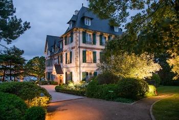 16 rue du Phare, Sainte-Marine, 29120 Combrit, Brittany.