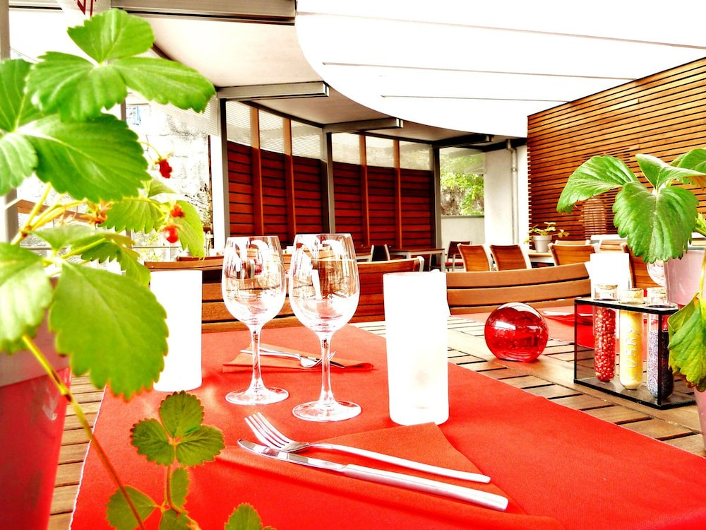 book le france villers le lac hotel deals. Black Bedroom Furniture Sets. Home Design Ideas
