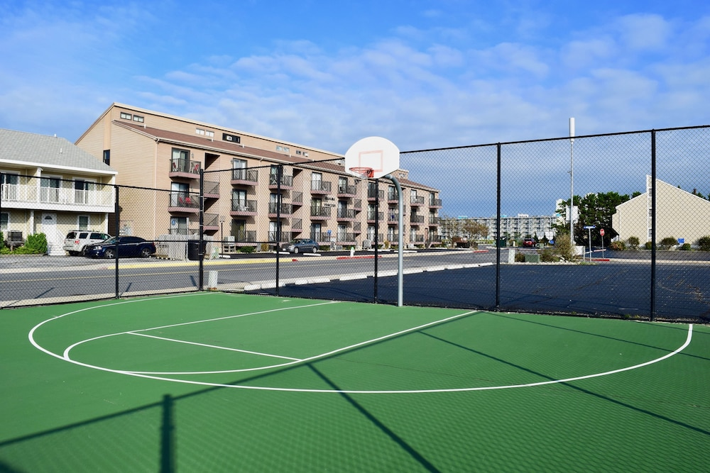 Basketball Court, Ocean High by Capital Vacations