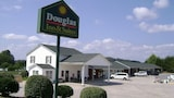 Douglas Inn & Suites - Blue Ridge Hotels
