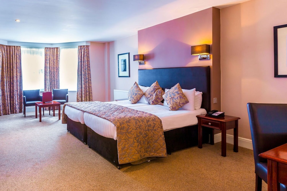 Rooms At The Durley Dean Hotel