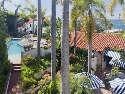 $91 Laguna Beach Hotels with a Jacuzzi or Hot Tub in Room