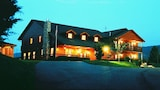 Berry Springs Lodge - Sevierville Hotels
