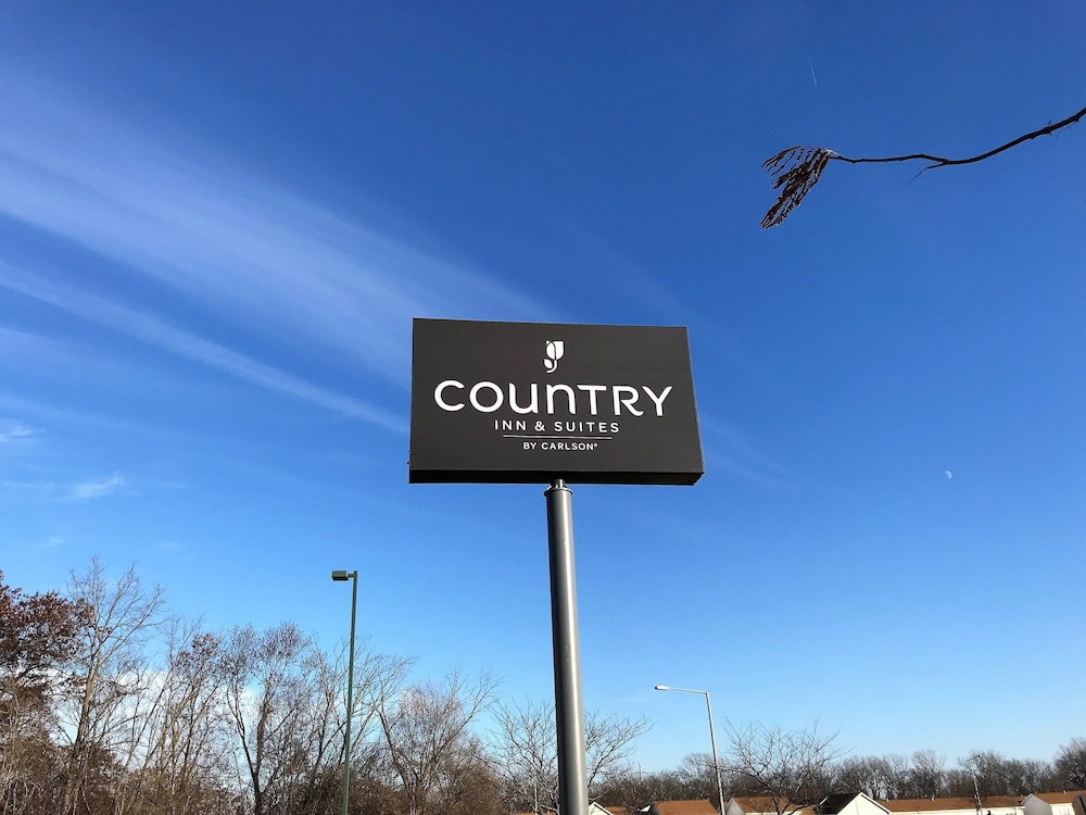 Property Grounds, Country Inn & Suites by Radisson, Zion, IL