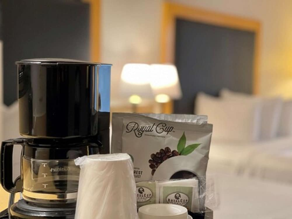 Room Amenity, Country Inn & Suites by Radisson, Zion, IL