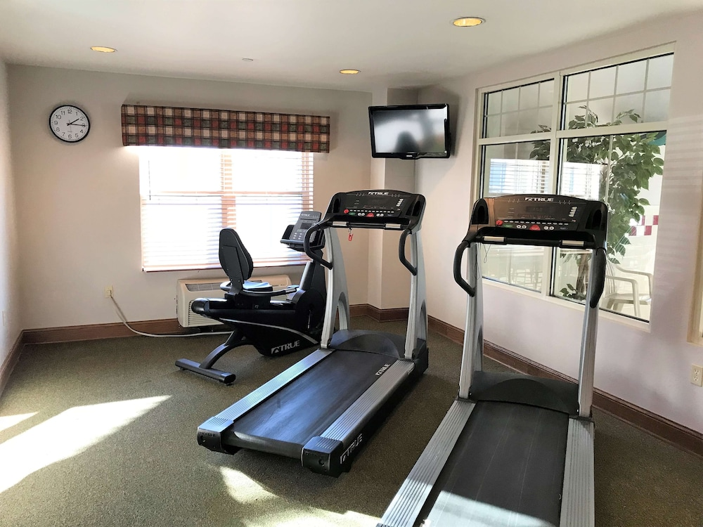 Fitness Facility, Country Inn & Suites by Radisson, Zion, IL