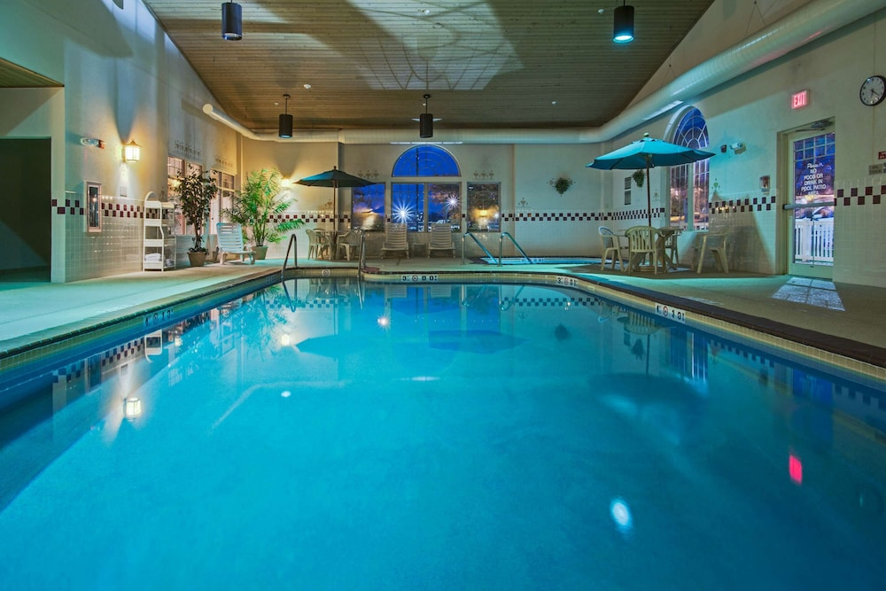 Indoor Pool, Country Inn & Suites by Radisson, Zion, IL