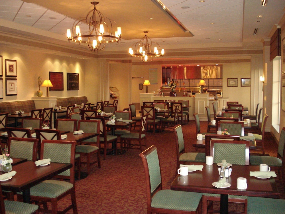 Restaurant, Hilton Garden Inn Suffolk Riverfront