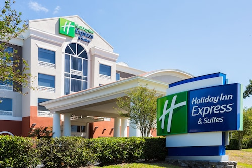 Great Place to stay Holiday Inn Express Hotel & Suites Tampa-Fairgrounds-Casino near Tampa