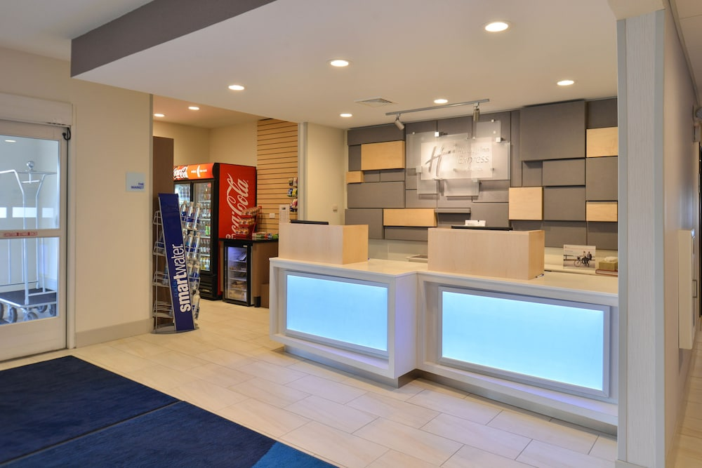 Reception, Holiday Inn Express and Suites Stevens Point