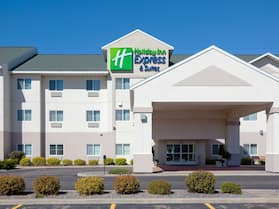 Holiday Inn Express and Suites Stevens Point, an IHG Hotel