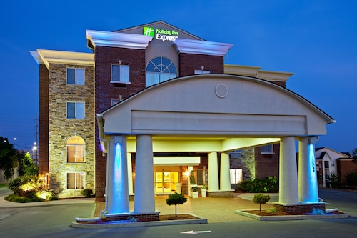 Great Place to stay Holiday Inn Express Hotel & Suites Lexington-Downtown near Lexington