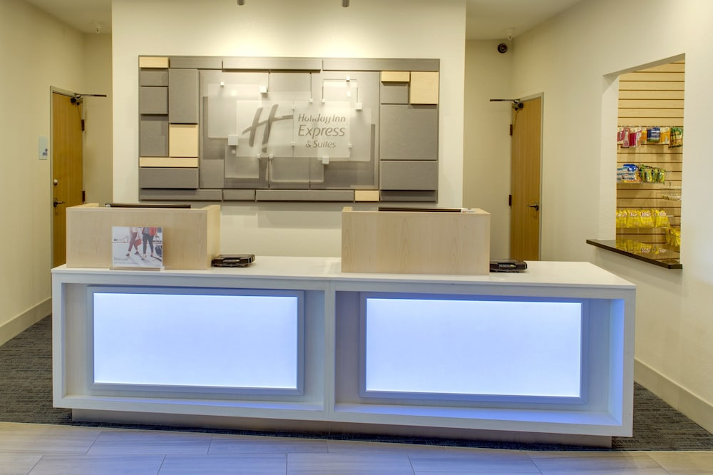 Lobby, Holiday Inn Express & Suites Chickasha, an IHG Hotel