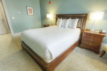 Room, 1 Queen Bed, Accessible - Guestroom