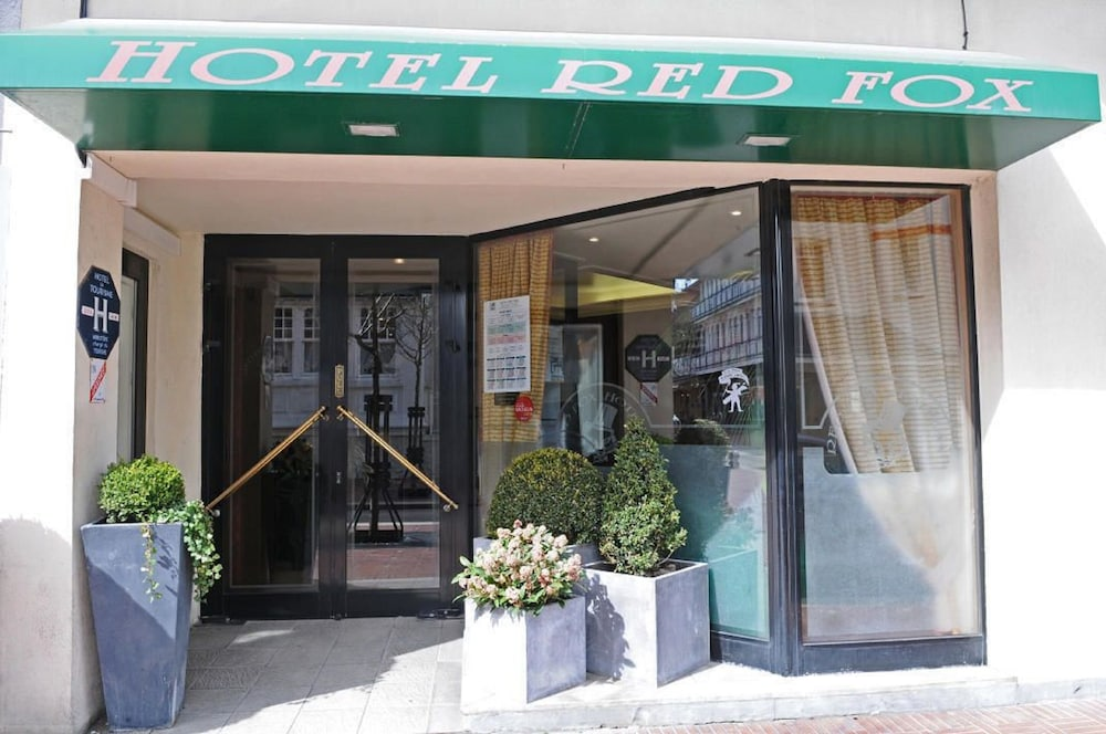 Front of Property, Hôtel Red Fox