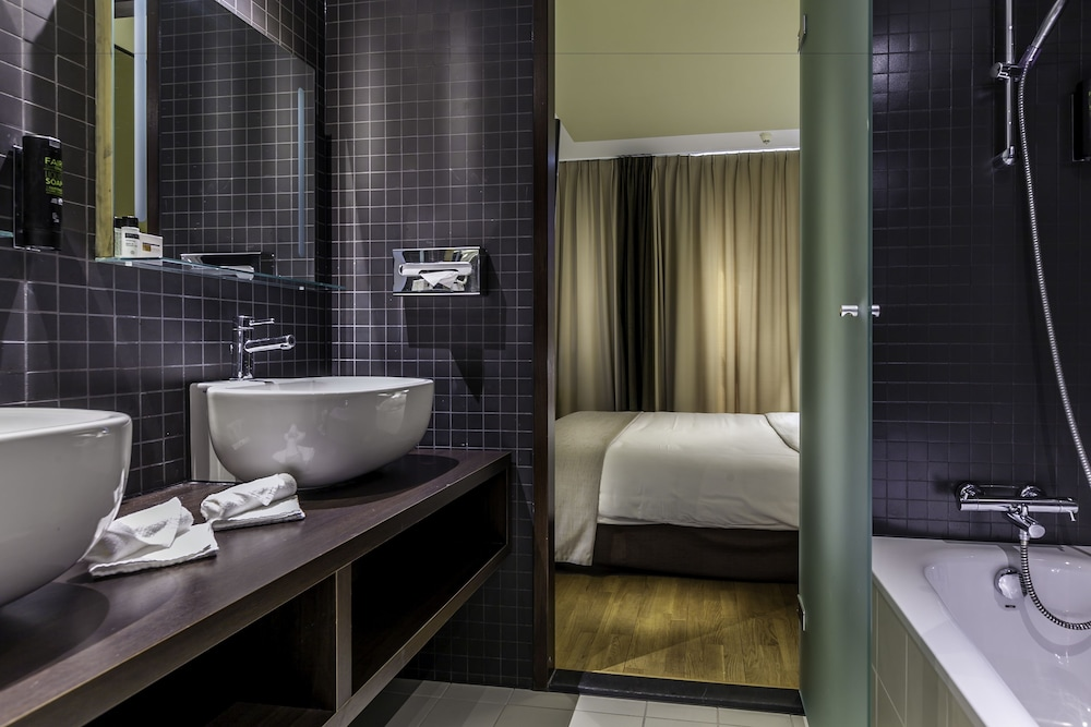Dutch Design Hotel Artemis in Amsterdam | Hotel Rates & Reviews on Orbitz