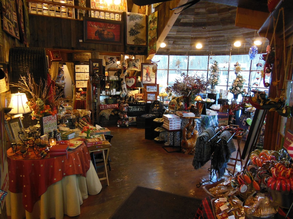 Gift Shop, Greenbrier Inn