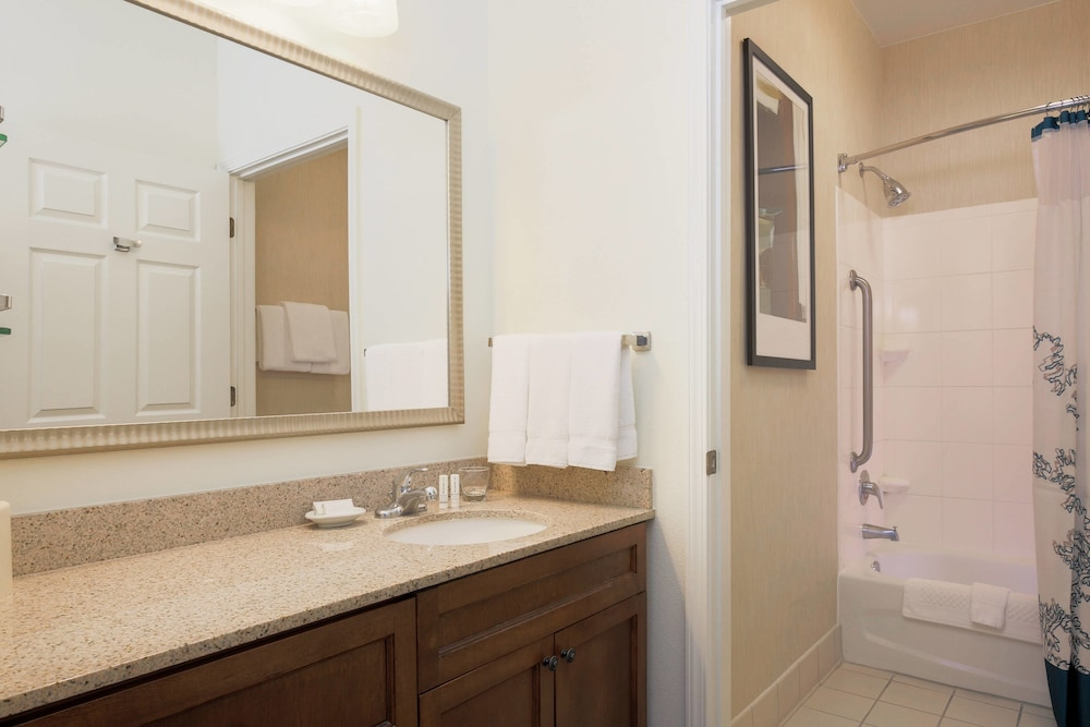 Bathroom, Residence Inn by Marriott Chico