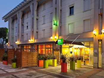 Antibes Vacations - ibis Styles Antibes - Property Image 1