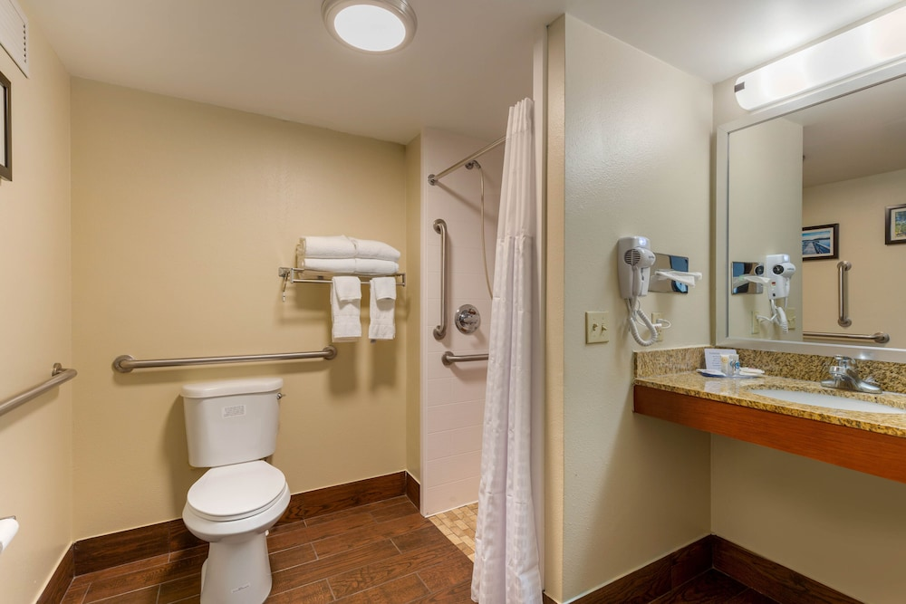 Bathroom, Comfort Inn & Suites
