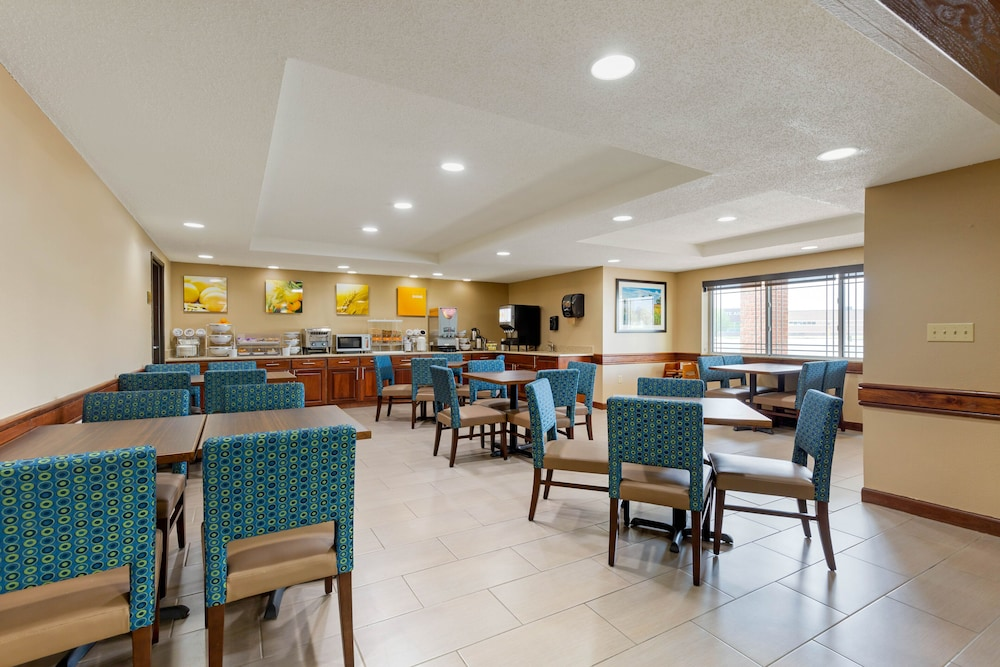 Dining, Comfort Inn & Suites