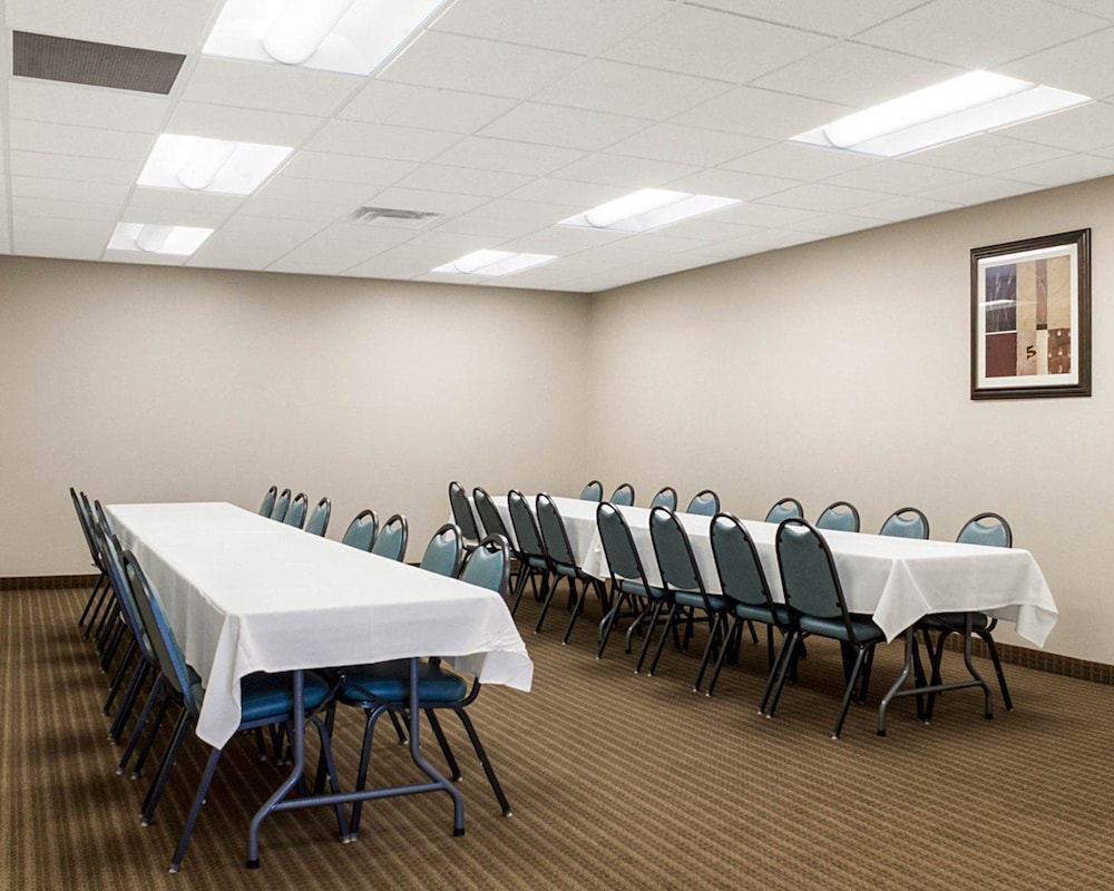 Meeting Facility, Quality Inn & Suites Conference Center and Water Park