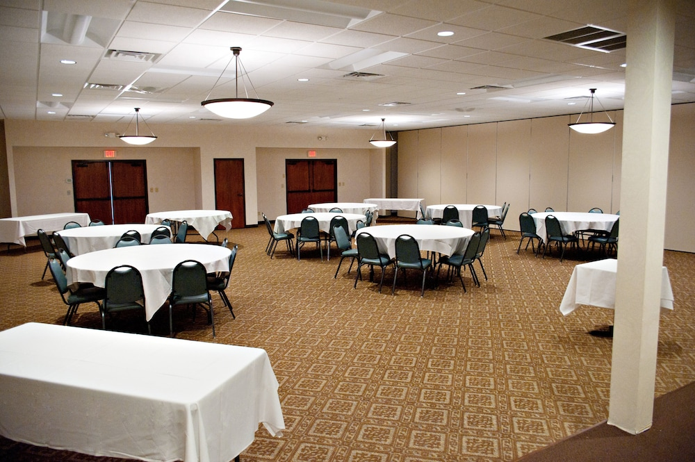 Banquet Hall, Quality Inn & Suites Conference Center and Water Park