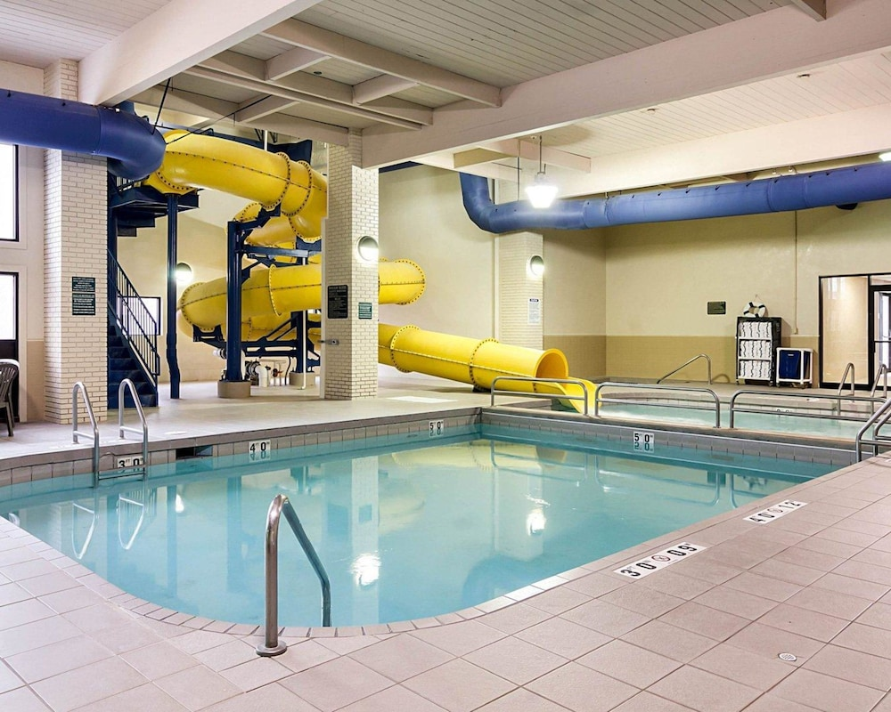 Pool, Quality Inn & Suites Conference Center and Water Park