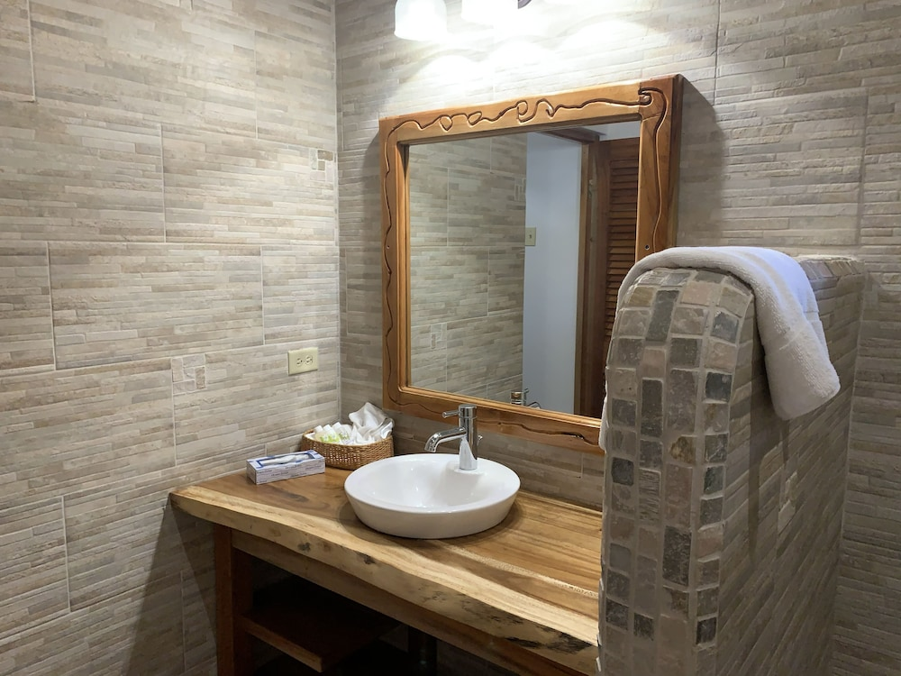 Bathroom, Tensing Pen Hotel