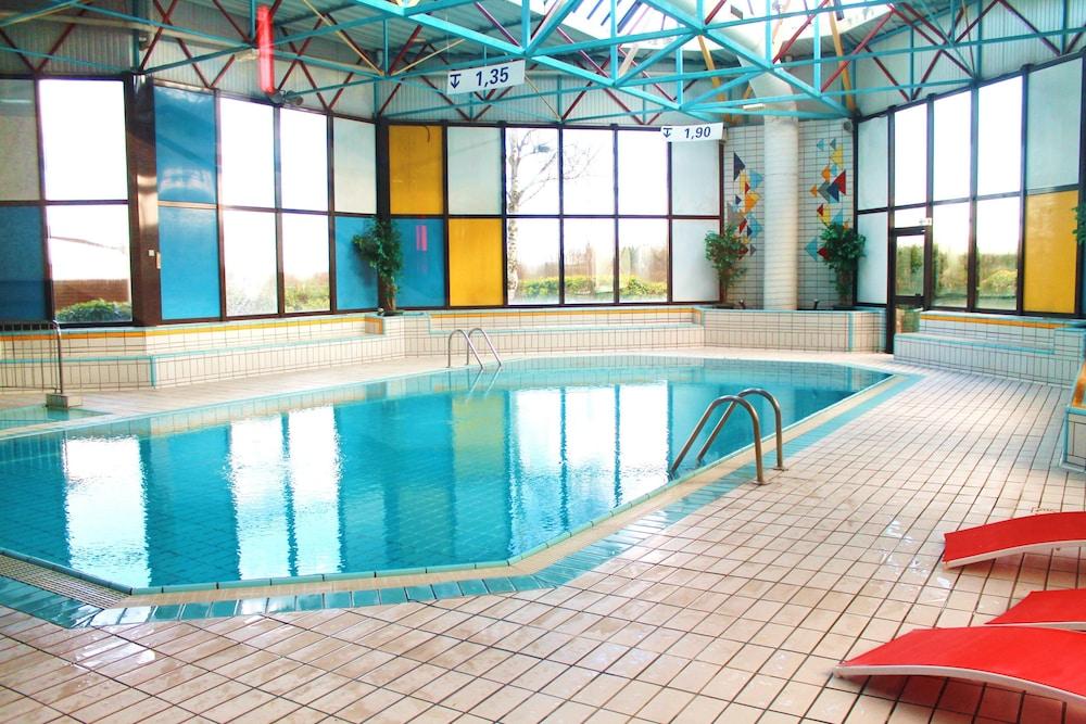 Saphir hotel pontault combault france expedia - Pontault combault piscine ...