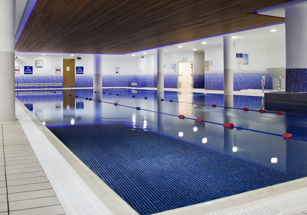 Indoor Pool, Clayton Hotel Cardiff Lane