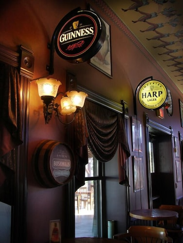 Bar, Water Street Inn
