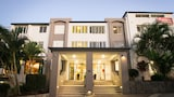 Caloundra Central Apartment Hotel - Battery Hill Hotels