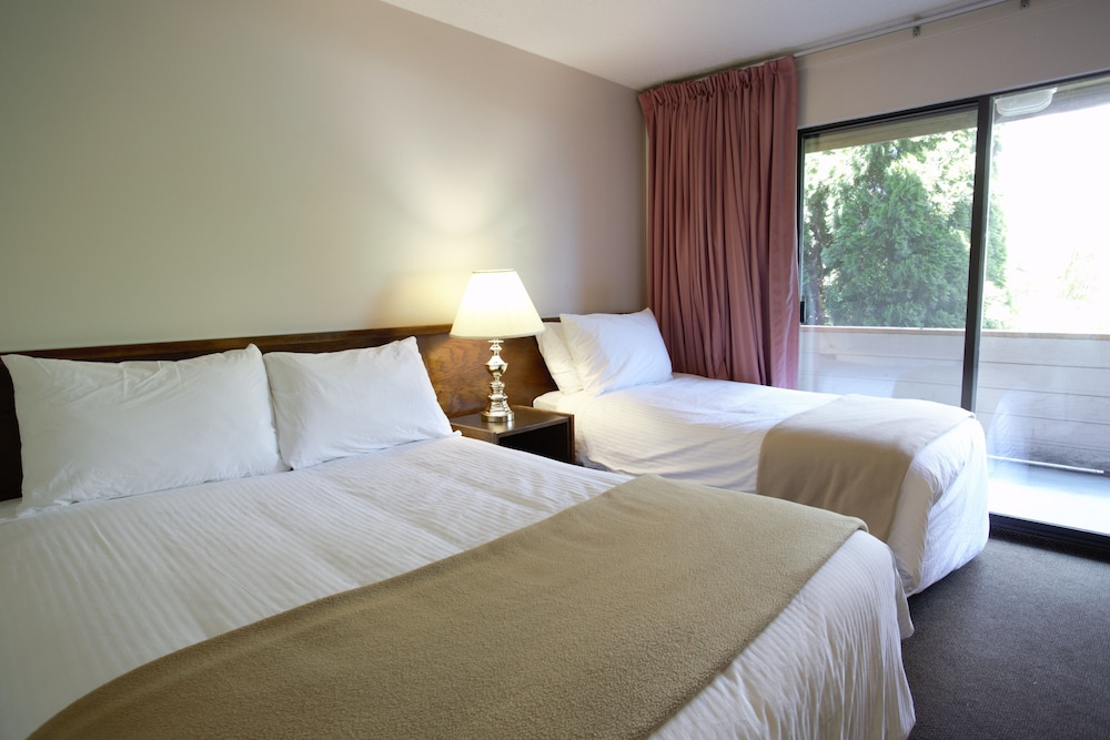 recreation inn suites  kelowna cheap hotel deals rates hotel reviews  cheaptickets