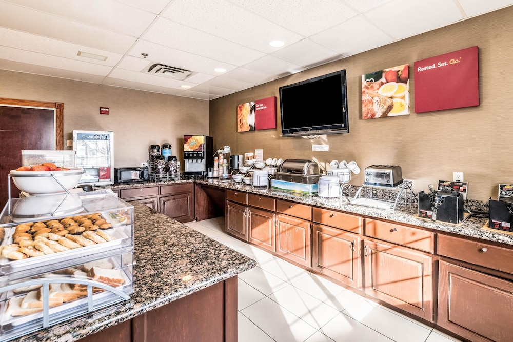 Breakfast Area, Comfort Suites South