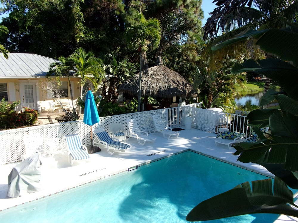 Property Grounds, Marco Island Lakeside Inn