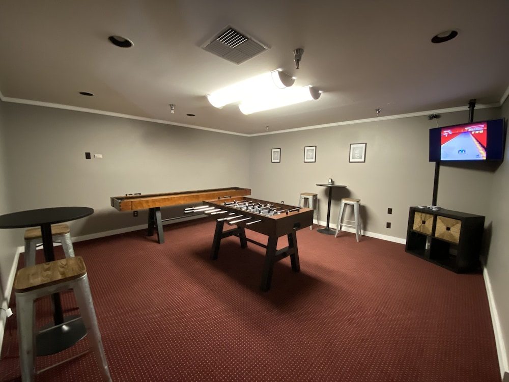 Game Room, Friday Harbor Suites