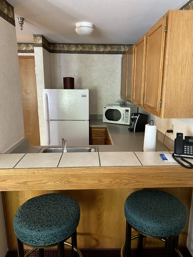 Private Kitchenette, Friday Harbor Suites