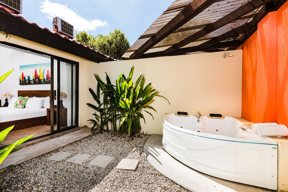 Jetted Tub, Bahia del Sol Beach Front Boutique Hotel
