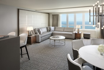 Fontainebleau miami beach in miami beach fl - 2 bedroom hotel suites in miami south beach ...