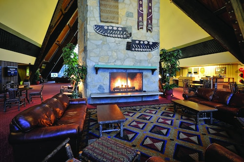 Great Place to stay Hueston Woods Lodge & Conference Center near College Corner