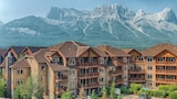 Falcon Crest Lodge by CLIQUE - Canmore Hotels