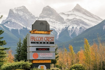 Falcon Crest Lodge by CLIQUE, Canmore - Room Prices