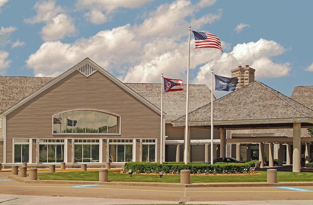 Front of Property, Maumee Bay Lodge and Conference Center