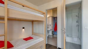 Desk, soundproofing, free cots/infant beds, free WiFi