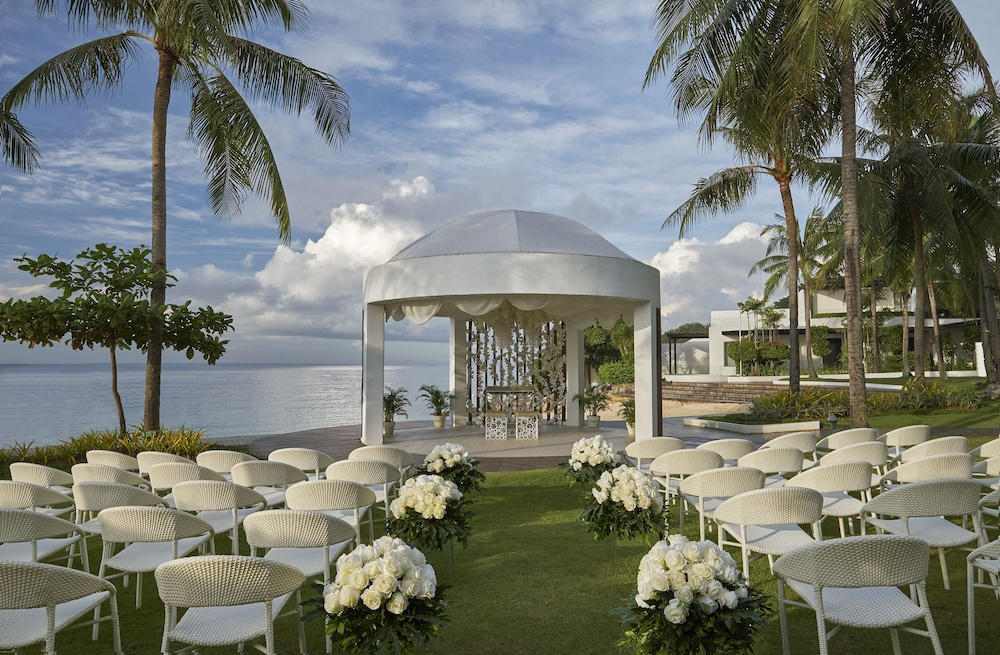 Outdoor Wedding Area, Mövenpick Hotel Mactan Island Cebu