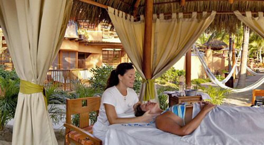 Massage, Embarc Zihuatanejo