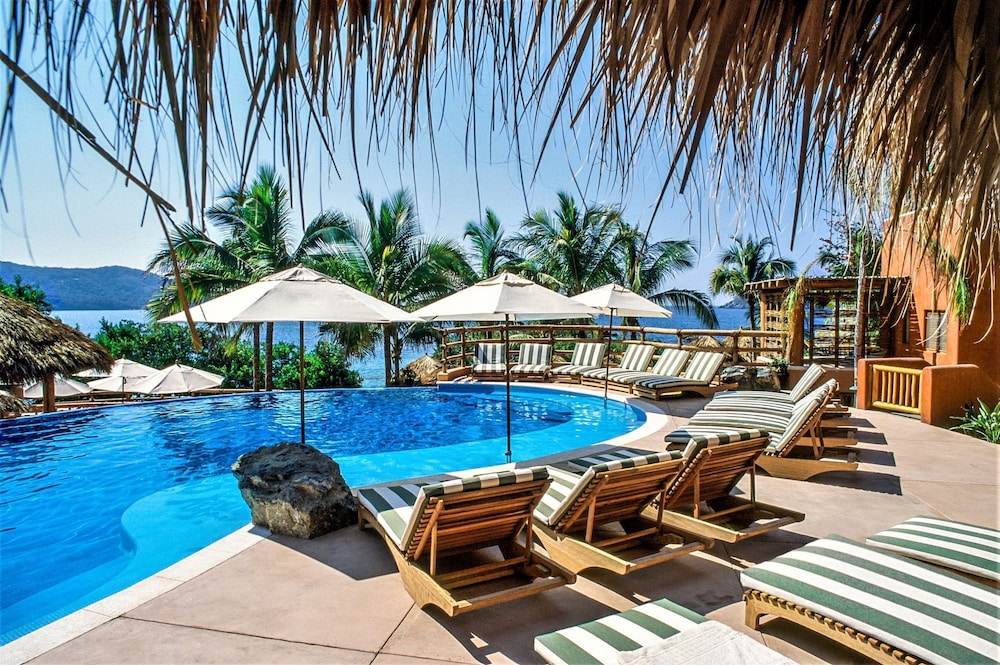 Featured Image, Embarc Zihuatanejo