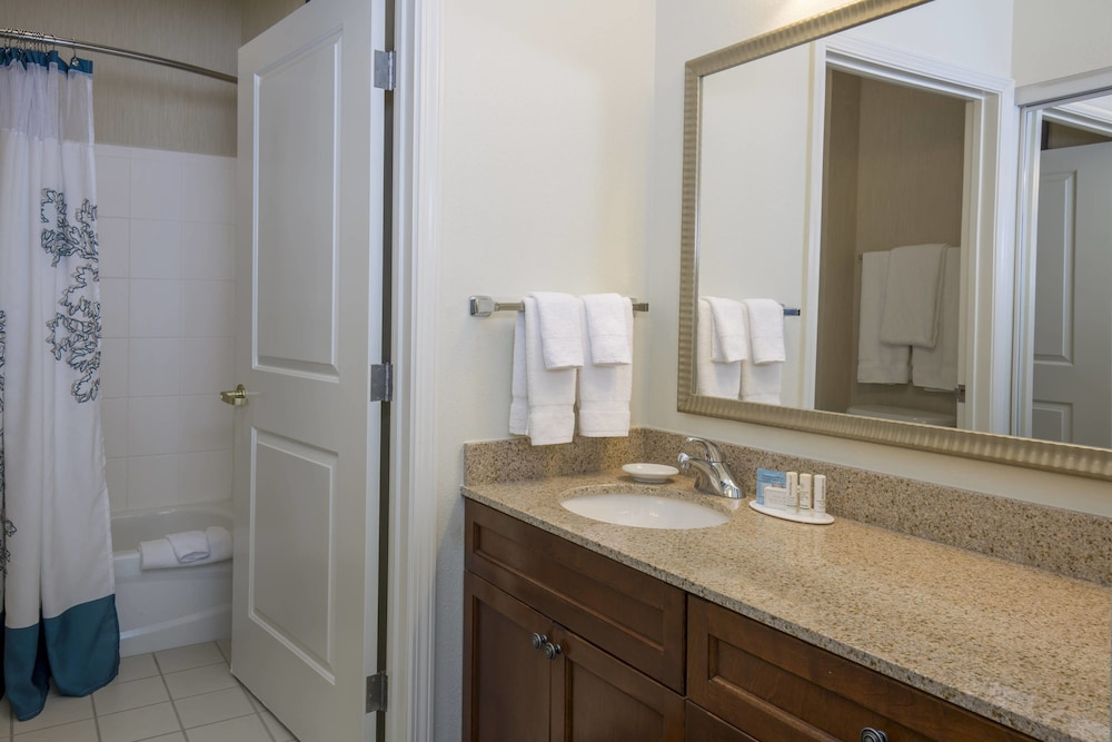 Bathroom, Residence Inn by Marriott Boise West